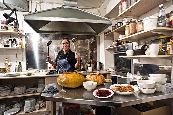 - Gruzija - Tbilisi - restavracija Azarpesha -3621